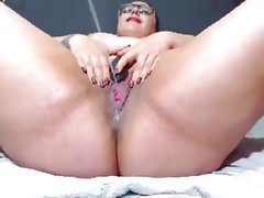 Bbw squirting close up