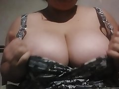 Amateur Big Boobs MILF