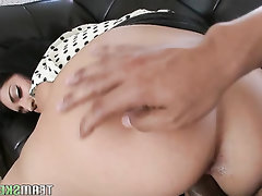 Asian Babe Big Ass Big Tits Blowjob